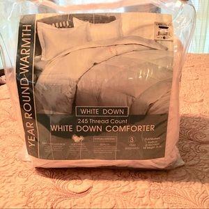 Linens & Things Down Comforter Full/Queen NIP